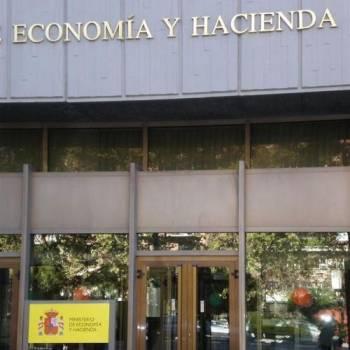 El Ministerio de Economía y Hacienda interpreta el Real Decreto de visado obligatorio